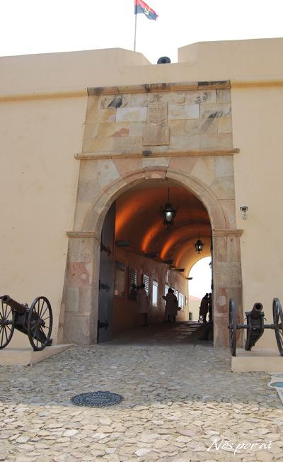 Entrada do Forte de São Miguel