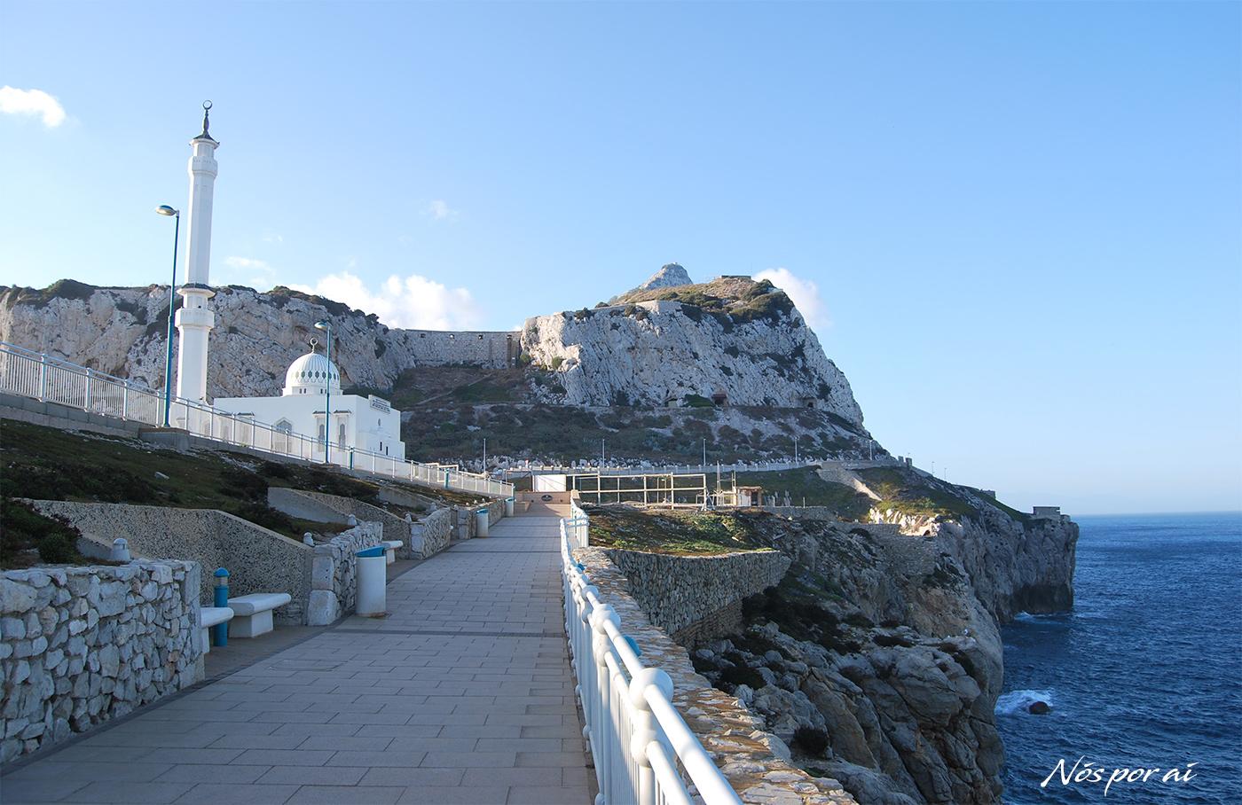 Gibraltar, um rochedo, uma península e um mar