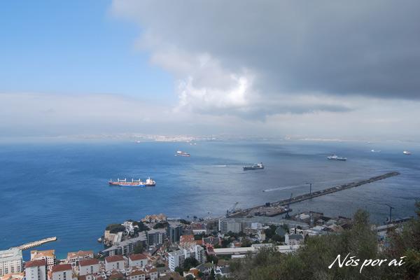 Vista de Gibraltar e mar Mediterrâneo