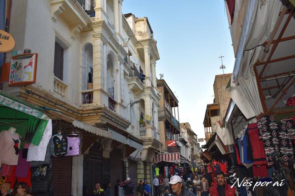 Rua do bairro judeu em Fez