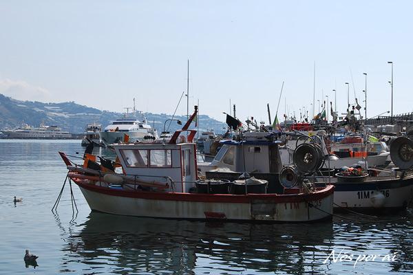 Barcos de pesca no porto Vecchio