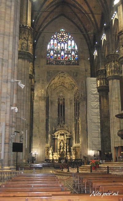 Nave central da Catedral de Milão